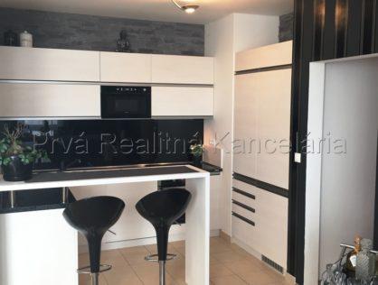 Predaj 3i. nadštandardný byt  Bratislava/ Ružinov