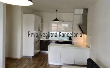 Na predaj 2i byt 59m2 BA Slnečnice Petržalka, loggia, parkovacie státie